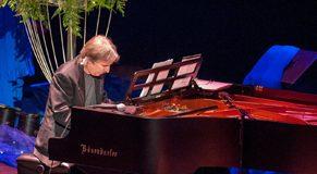 pianist web.jpg